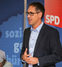 Michael Schrodi, Bundestagskandidat für Dachau und Fürstenfeldbruck, beim Parteitag in Erdweg