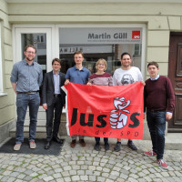 Der neue Vorstand und Gäste: Philipp Heimerl (Jusos FFB), OB Florian Hartmann, Sören Schneider, Anja Güll, Riccardo Righini, Josef Parzinger (Jusos Oberbayern).